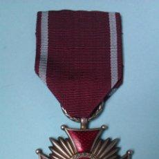 Militaria: MEDALLA MILITAR POLONIA 1923 CRUZ DEL MERITO CATEGORÍA 2ª CLASE ORIGINAL Y USADA. Lote 42376287