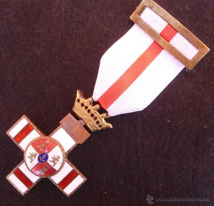 MERITO MILITAR FRANCO PENSIONADA (Militar - Medallas Españolas Originales )