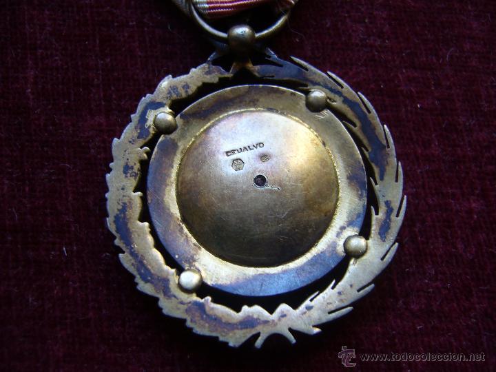 Militaria: Medalla de plata de la cruz roja campaña 1936 1939 Prendedor vanguardia. Guerra civil española - Foto 3 - 43268754