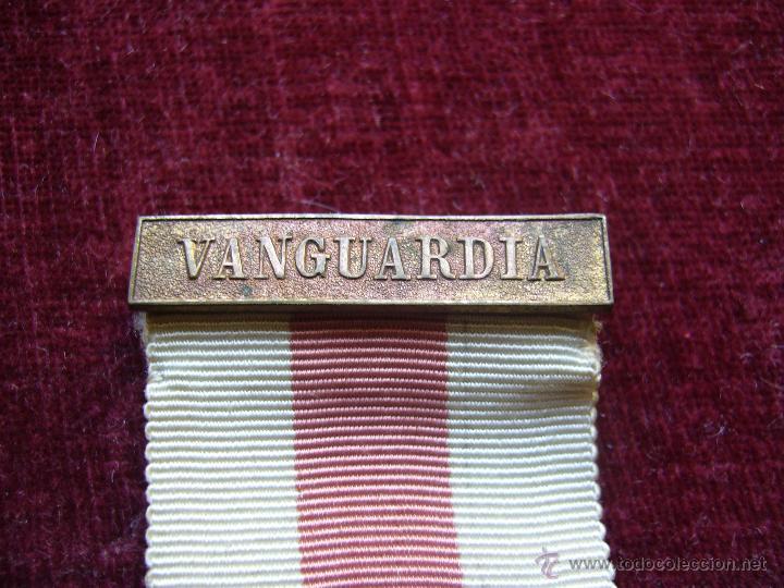 Militaria: Medalla de plata de la cruz roja campaña 1936 1939 Prendedor vanguardia. Guerra civil española - Foto 4 - 43268754