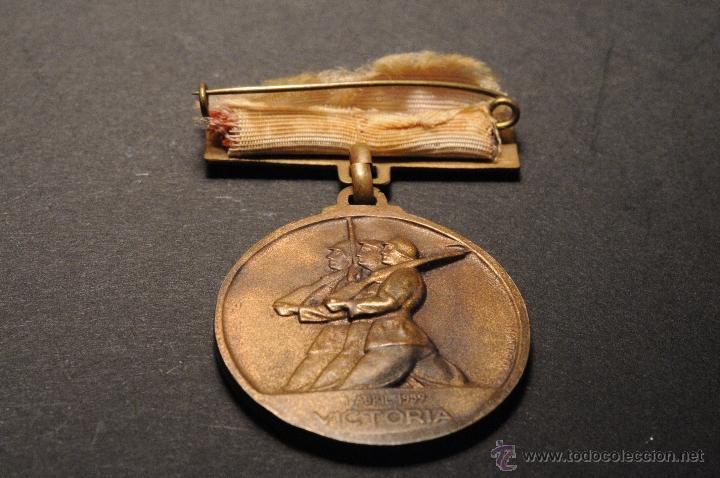 Militaria: MEDALLA DE COBRE EN RELIEVE 18 DE JULIO 1936 ALZAMIENTO - Foto 2 - 43549238