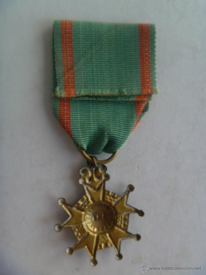 Militaria: MEDALLA DE BENEMERITO POR LA PATRIA , EPOCA ISABEL II . SIGLO XIX . ORIGINAL. - Foto 2 - 44032640