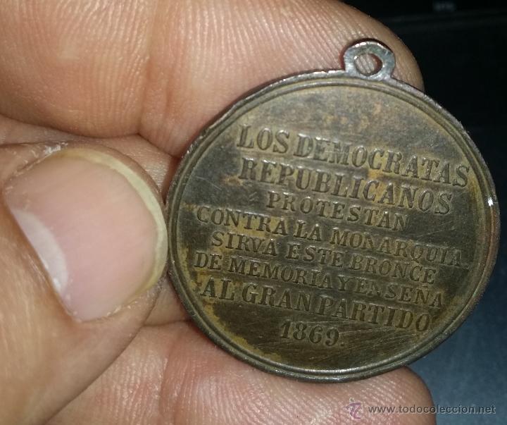 Militaria: RARA MEDALLA DE LOS DEMOCRATAS REPUBLICANOS ANTIMONARQUICOS 1869 - Foto 3 - 46002272