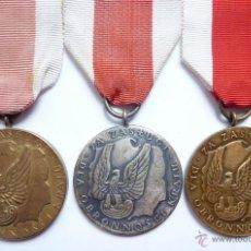 Militaria: POLONIA: LOTE 3 MEDALLAS AL MÉRITO EN LA DEFENSA NACIONAL (CATEGORÍAS DE ORO, PLATA Y BRONCE). Lote 47358151