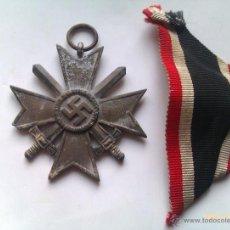 Militaria: MEDALLA CRUZ AL MÉRITO CON ESPADAS 2ª CLASE. ALEMANIA. 1933-945. 2ª GUERRA MUNDIAL. ORIGINAL. Lote 47656496