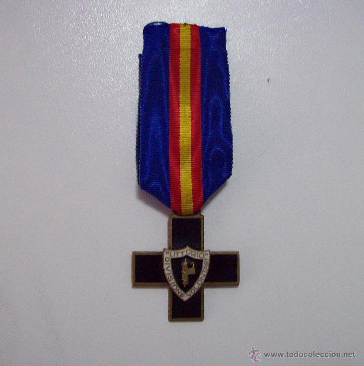 MEDALLA DIVISION DE VOLUNTARIOS LITTORIO CTV (Militar - Medallas Españolas Originales )
