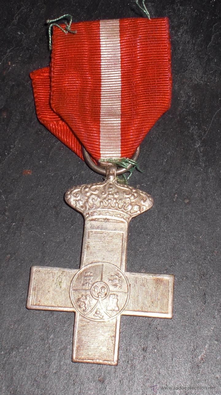 MEDALLA GUERRA MARRUECOS MERITO EN PLATA,DIVISION AZUL.LEER DESCRIPCION: (Militar - Medallas Españolas Originales )