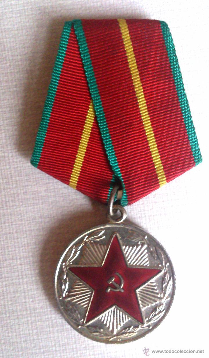 Medalla sovietica por servicio irreprochable du comprar medallas militares extranjeras - Subastas ministerio del interior ...