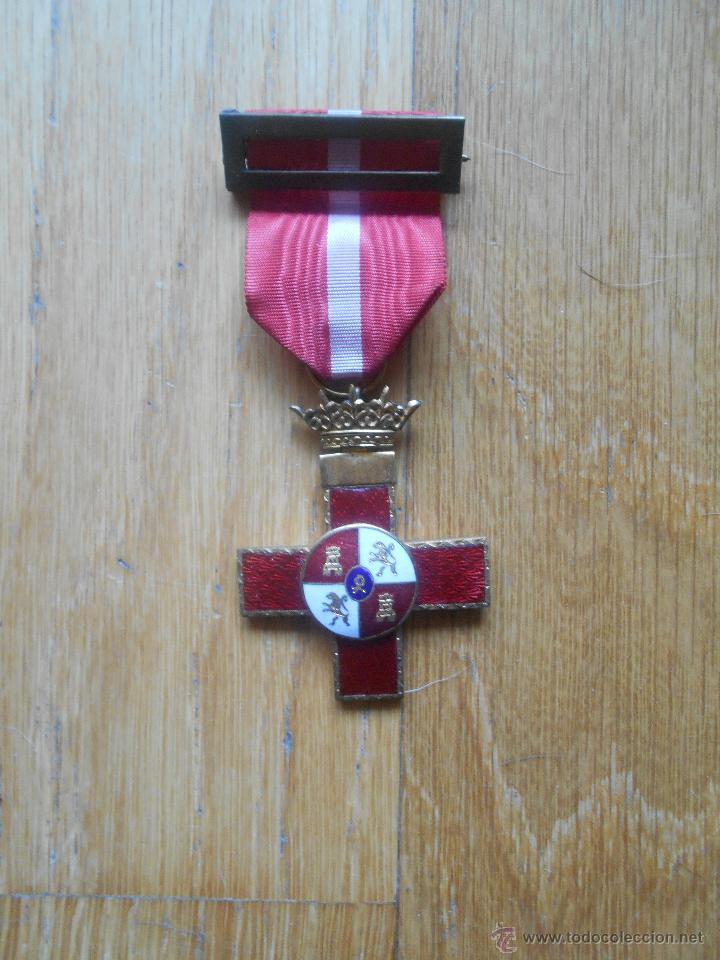 MEDALLA MERITO MILITAR DISTINTIVO ROJO, CORONA MOVIL (Militar - Medallas Españolas Originales )
