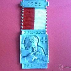 Militaria: HUGUENIN SWISS MEDALLA HISTORIA DEL TIRO (9) 1956. Lote 53151798