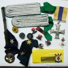 Militaria: CONJUNTO DE MEDALLAS MILITARES, BOTONES, PASADORES, DEPORTIVAS ESPAÑOLAS, ETC. LOTE 2. Lote 54173184