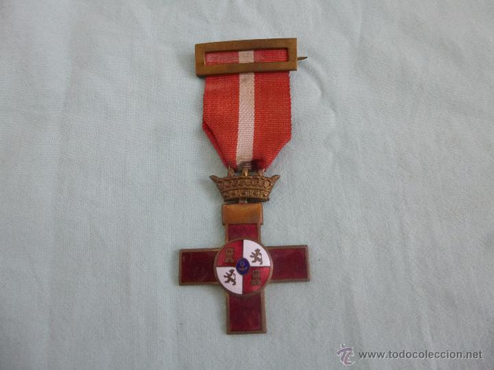 MEDALLA MERITO MILITAR DISTINTIVO ROJO...EPOCA FRANCO.. ORIGINAL.... (Militar - Medallas Españolas Originales )