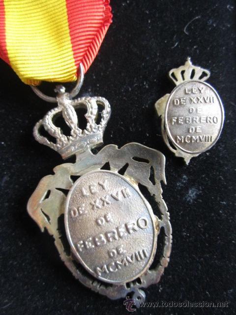 Militaria: MEDALLA E INSIGNIA INSTITUTO NACIONAL DE PREVISIÓN. LEY DE XXVII FEBRERO MCMVIII. - Foto 3 - 54978809