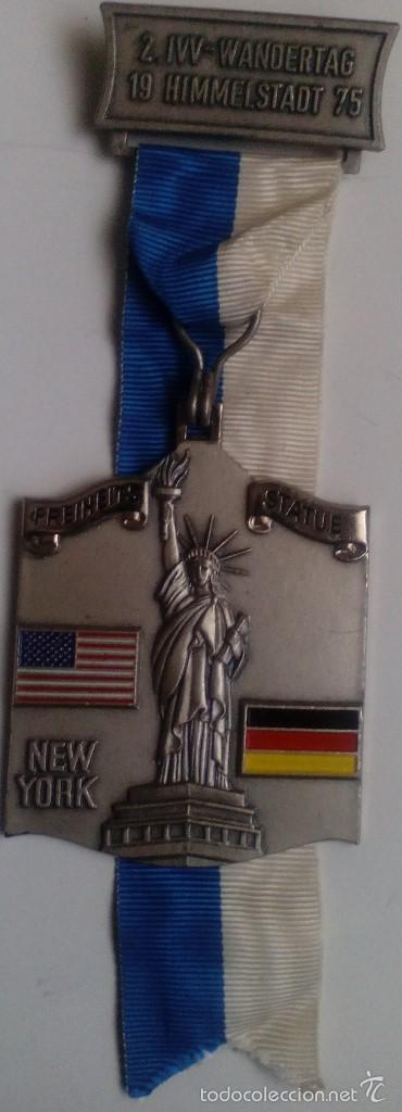 MEDALLA ESTATUA DE LA LIBERTAD. AMISTAD EE.UU. - ALEMANIA. HIMMELSTADT. 1975 (Militar - Medallas Internacionales Originales)
