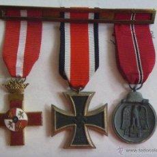 Militaria: DIVISION AZUL : PASADOR CON 3 MEDALLAS DE DIVISIONARIO: MERITO , CRUZ DE HIERRO Y 1º INVIERNO. Lote 56467245