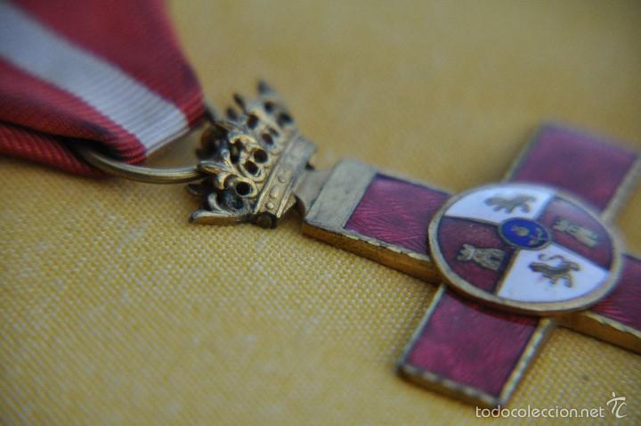 CRUZ MERITO MILITAR UNIFACIAL (Militar - Medallas Españolas Originales )