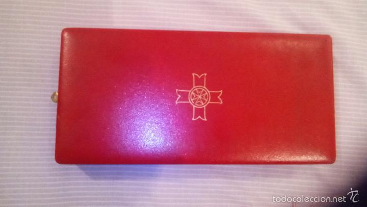 Militaria: Gran Maestre Orden de Malta (?). Cruz e insignia de esmalte y boton. Condecoración italiana. - Foto 2 - 57437207