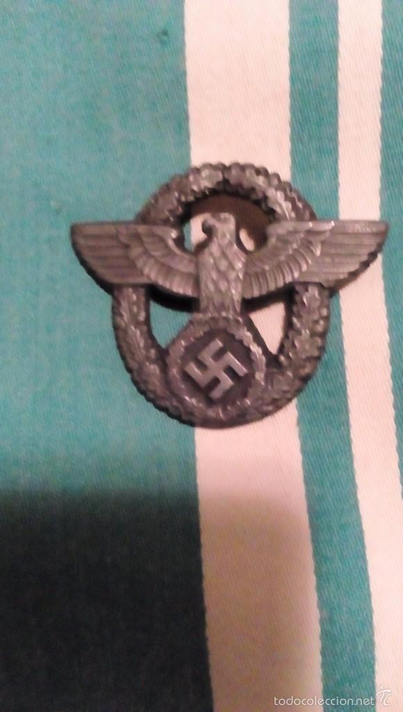 INSIGNIA POLIZEI WEHRMACHT A ROSCA, LE FALTA EL CIERRE REDONDO (Militar - Reproducciones y Réplicas de Medallas )