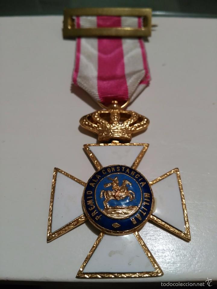 MEDALLA DE LA ORDEN DE SAN HERMENEGILDO - PREMIO A LA CONSTANCIA MILITAR - MONARQUIA JUAN CARLOS I (Militar - Medallas Españolas Originales )