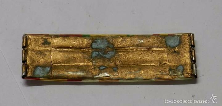 Militaria: Pasador de condecoraciones antiguo, Con 9 cintas. Mide 9 cms. - Foto 2 - 58777471