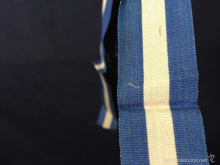 Militaria: cinta azul blanca militar español insignia condecoracion medalla 84x2,5cms s XX ppios - Foto 4 - 59979127