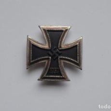 Militaria: WWII GERMAN IRON CROSS 1ST CLASS. Lote 187459466