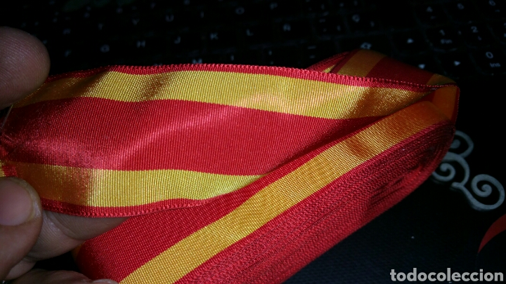 Militaria: Cinta de la Real Orden de San Fernando 4 centímetros de ancho corte de 15 cm - Foto 2 - 116073042