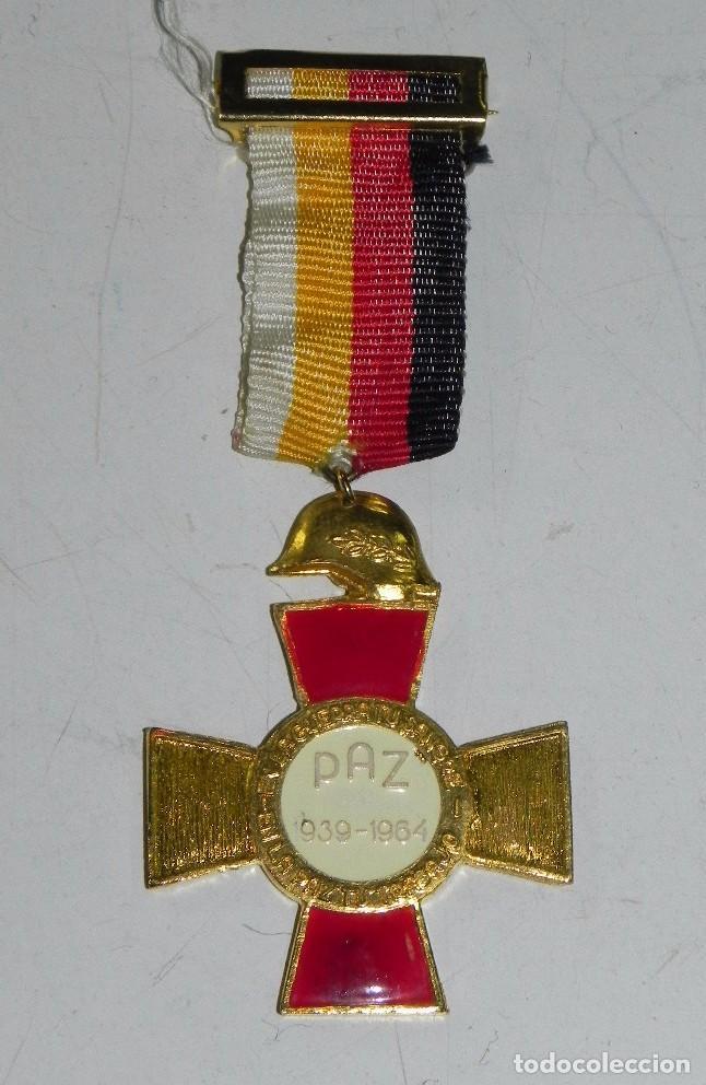MEDALLA HONOR Y GLORIA A CAIDOS Y HEROES, PAZ 1939 - 1964, TAL COMO SE VE EN LAS FOTOGRAFIAS PUESTAS (Militar - Medallas Españolas Originales )