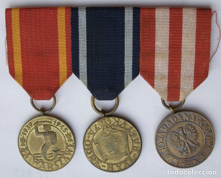 POLONIA: PASADOR MEDALLAS. VETERANO SEGUNDA GUERRA MUNDIAL. LIBERACIÓN DE VARSOVIA Y FRENTE BÁLTICO (Militar - Medallas Extranjeras Originales)