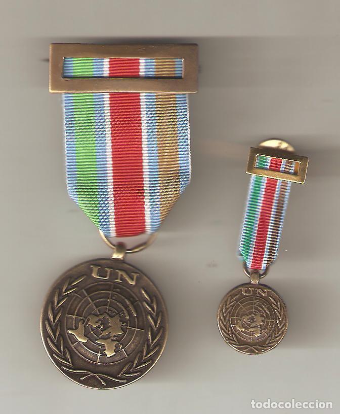 CONJUNTO DE MEDALLA Y MEDALLITA O.N.U-MISIÓN DE PAZ (Militar - Reproducciones y Réplicas de Medallas )