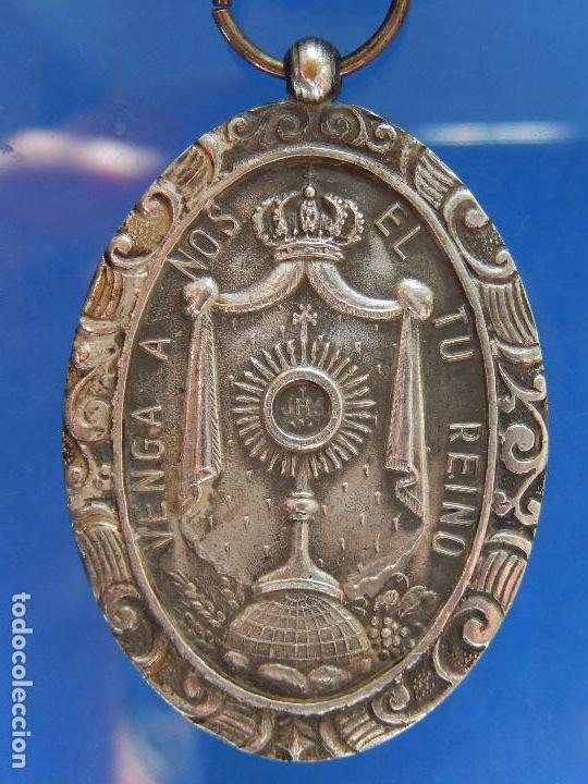 Militaria: Medalla Congreso Eucarístico. Marquina. 1943. Parece de Plata. - Foto 3 - 68008521
