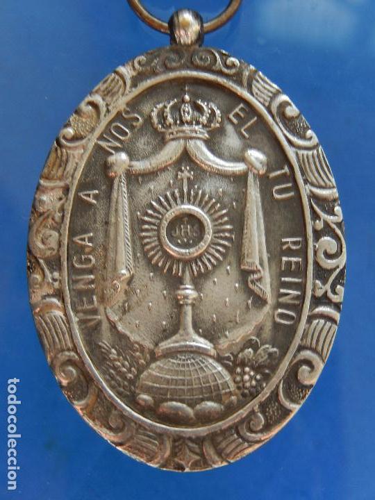 Militaria: Medalla Congreso Eucarístico. Marquina. 1943. Parece de Plata. - Foto 7 - 68008521