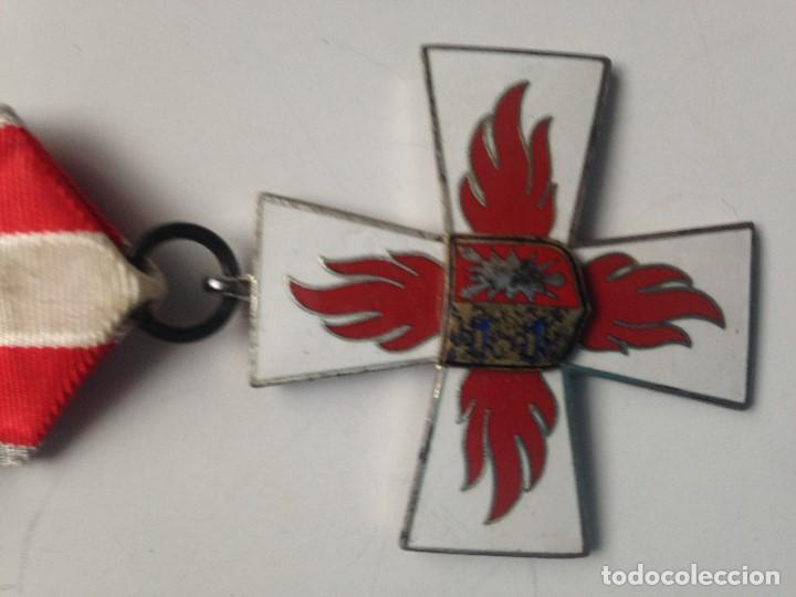 Militaria: Medalla Bomberos contra el fuego. 1955. 25 Años de Servicio. Alemania. Schleswig-Holstein - Foto 2 - 68686833
