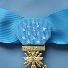 Militaria: US MEDAL OF HONOR AIR FORCE -EJERCITO DEL AIRE CON CINTA DE CUELLO - MOH - REPLICA. Lote 70105833