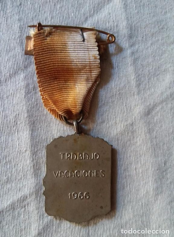 Militaria: Antigua medalla, Aplicacion, vacaciones y trabajo. - Foto 2 - 70243129
