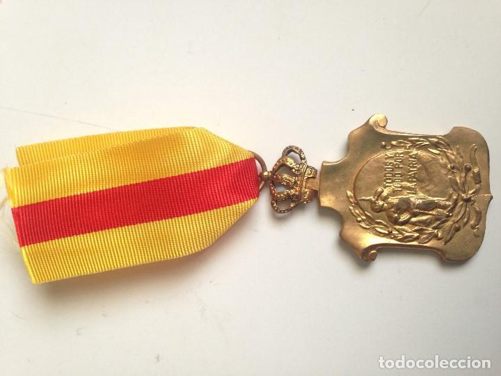 Militaria: Medalla Homenaje Ayuntamientos a Alfonso XIII. 1925. España - Foto 4 - 70310581