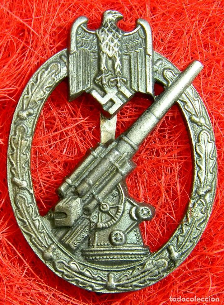 HEER ANTIAEREOS. HEERES-FLAKABSEICHEN. CATEGORIA PLATA. DIMENSIONES 60 X 45 MM. MASCAJE GES GESCH (Militar - Reproducciones y Réplicas de Medallas )