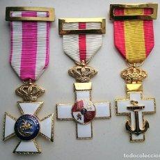 Militaria: CRUCES DEL MERITO MILITAR, NAVAL Y SAN HERMENEGILDO. Lote 77265821