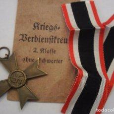 Militaria: CRUZ DEL MERITO MILITAR 2 CLASE 1939 SIN ESPADAS,MODELO BUNTMETALL CON SU BOLSA ORIGINAL,CINTA LARGA. Lote 97832139