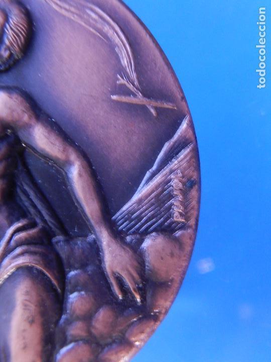 Militaria: Medalla conmemorativa de la Asociación de Aviadores de la República. - Foto 5 - 79292937