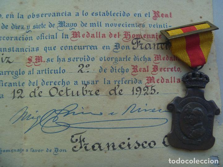 Militaria: LOTE MEDALLA DEL HOMENAJE DE LOS AYUNTAMIENTOS Y DIPLOMA CONCESION, FIRMA PRIMO RIVERA. - Foto 2 - 83290016