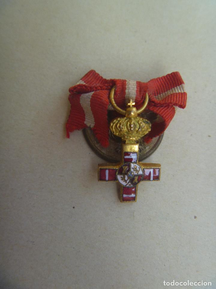 MINIATURA MEDALLA CRUZ DEL MERITO MILITAR DE ALFONSO XIII . ¿ ORO ? Y ESMALTE. DE T. W. & W. PARIS (Militar - Medallas Españolas Originales )