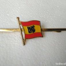 Militaria: PASADOR CORBATA BANDERA ESPAÑOLA ANCLAS CRUZADAS MARINERAS MARINA. Lote 84711412