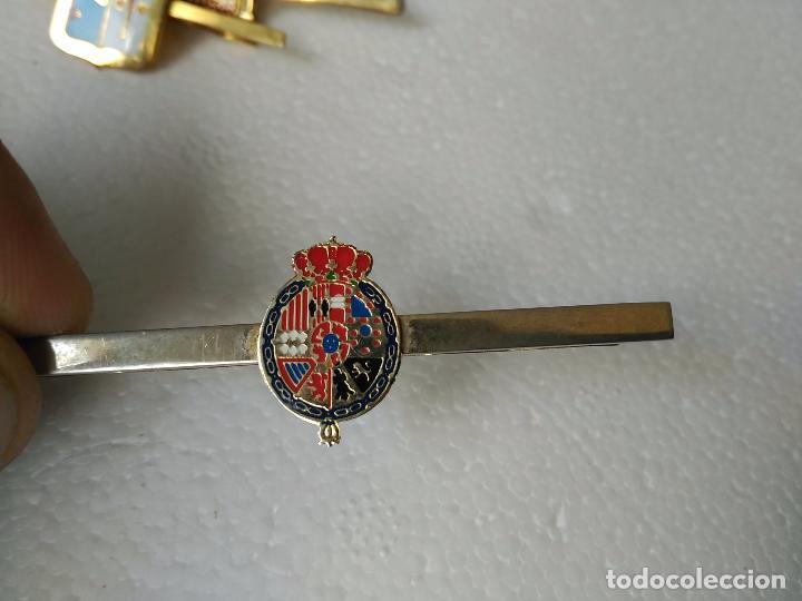 PASADOR CORBATA CORONA DESCONOZCO ESCUDO (Militar - Cintas de Medallas y Pasadores)