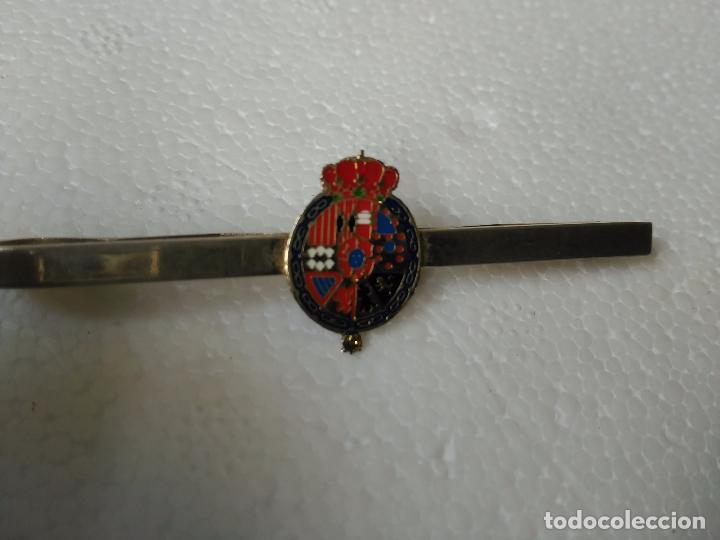 Militaria: Pasador corbata corona desconozco escudo - Foto 2 - 84712452
