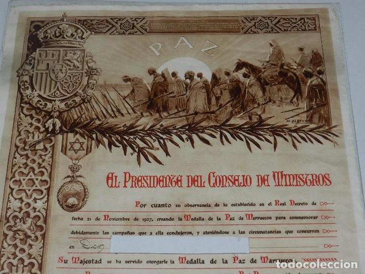 Militaria: CONCESION DE LA MEDALLA DE LA PAZ DE MARRUECOS 1928 , 46 X 34 CM , SEÑALES DE USO - Foto 2 - 87440900