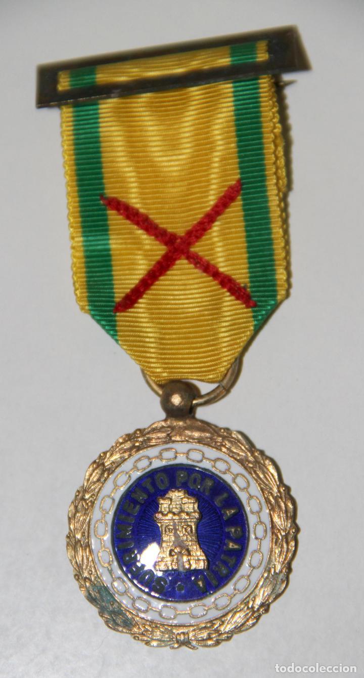 MEDALLA E INSIGNIA DE SUFRIMIENTO POR LA PATRIA. CON ASPA DE HERIDO. GUERRA CIVIL (Militar - Medallas Españolas Originales )