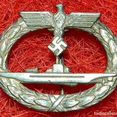 Military - Kriegsmarine. Submarinos. U-Boot-kriegsabzeichen. Version plata. Med. 48 x 41 mm. Buntmetall - 162686664
