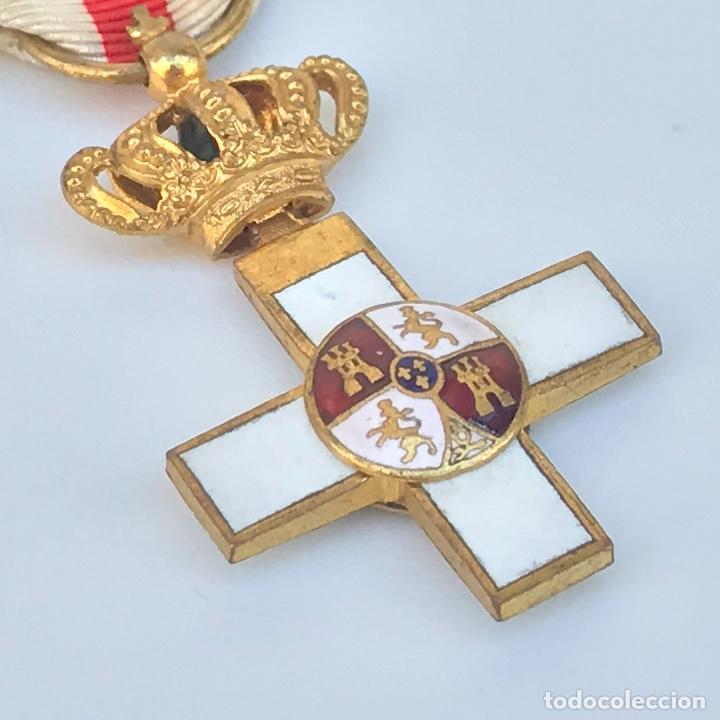 CRUZ DE MERITO MILITAR. DISTINTIVO BLANCO. TAMAÑO PRINCESA. DE 1860. (Militar - Medallas Españolas Originales )