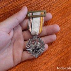 Militaria: ANTIGUA MEDALLA ORIGINAL DE LA DIVISION AZUL, RARO MODELO DIEZ, MUY BUEN ESTADO. . Lote 94439462